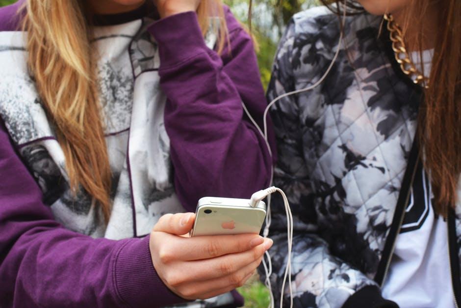 trucuri ascunse si optiuni nestiute pe telefoanele iPhone facute de Apple cu sistem iOs
